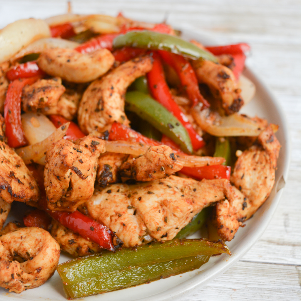 close up of chicken fajitas cooked in the air fryer